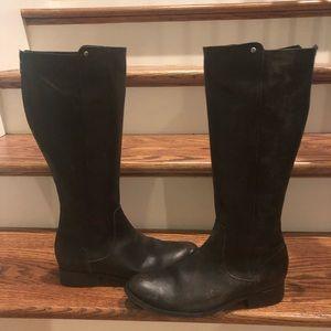 Frye women's tall boots size 9.5 medium new